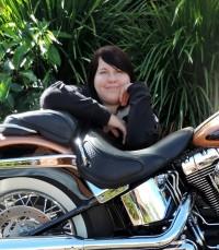Author-Photo-Bella-Jewel-400x458
